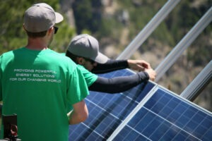 How to choose the right solar contractor